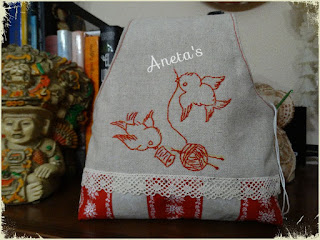 http://anetascamisetas.blogspot.com.es/2016/12/bolsa-para-guardar-las-labores-tutorial.html