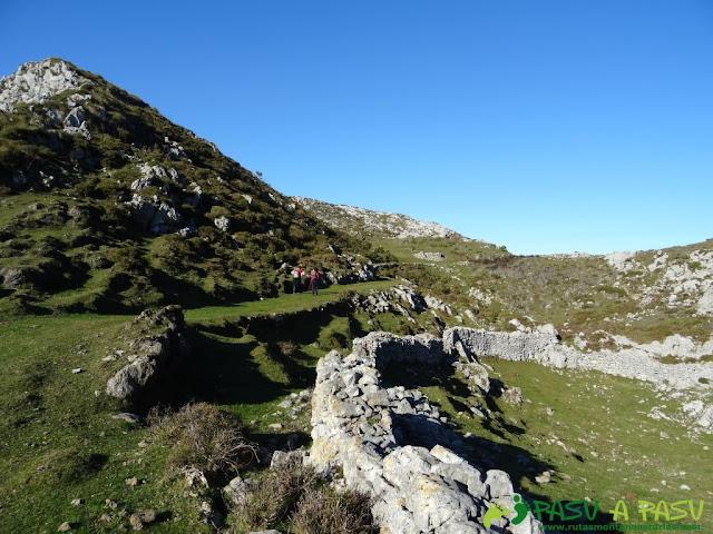 Camino a las minas del Pilar