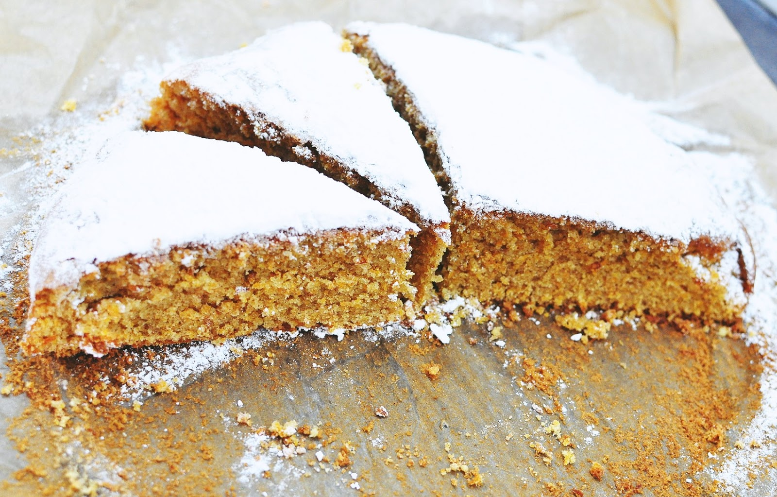 ciasto-marchewkowe-z-orzechami