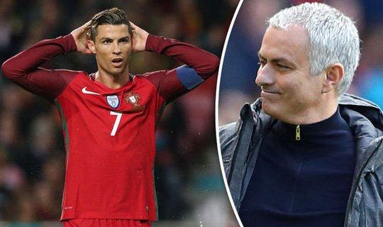 Lỡ lời, Mourinho phải cúi đầu trước Ronaldo
