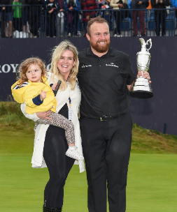 Shane Lowry With His Wife And Daugher Png
