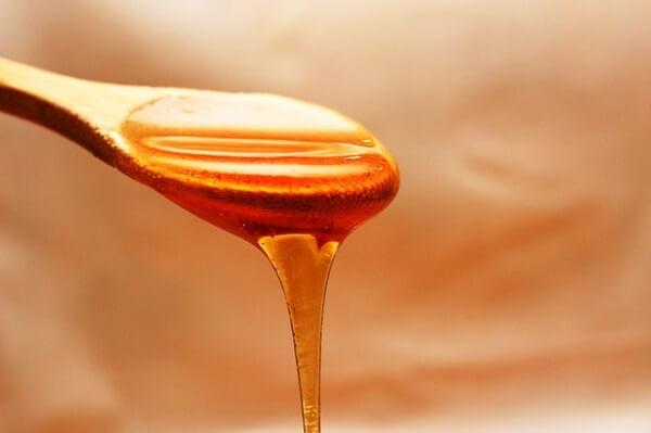 إليك أهم فوائد العسل الصحية