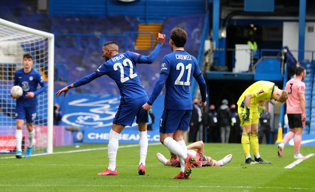 Chelsea midfielder Hakim Ziyech celebrates goal against Sheffield united in the fa cup