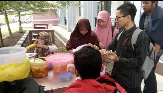 Mahasiswa PAI IAIN Palangka Raya Berwirausaha Dan Berbisnis Online Sambil Kuliah