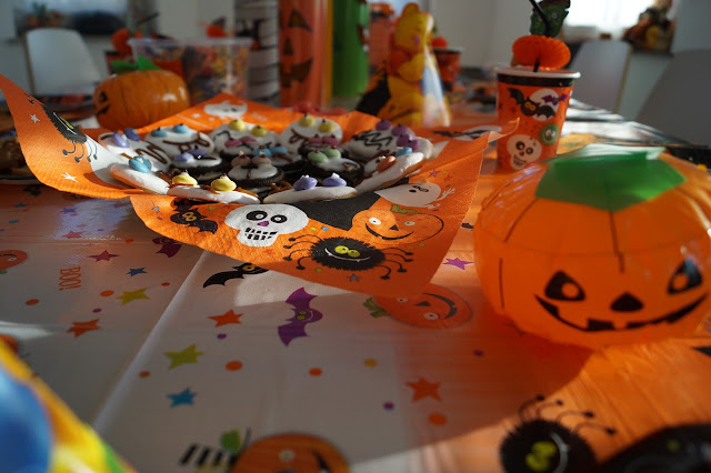 hallowenn deko und leckereien
