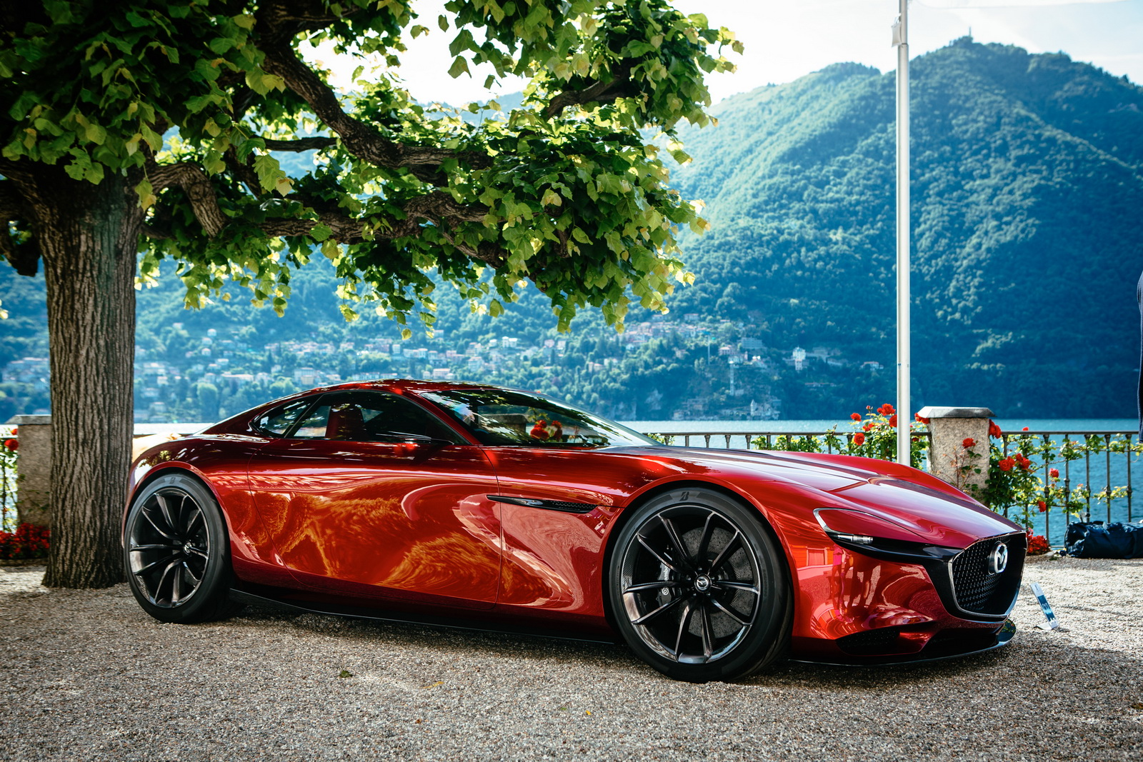 Mazda Says It Will Build RX-Vision If You'll Buy It ...