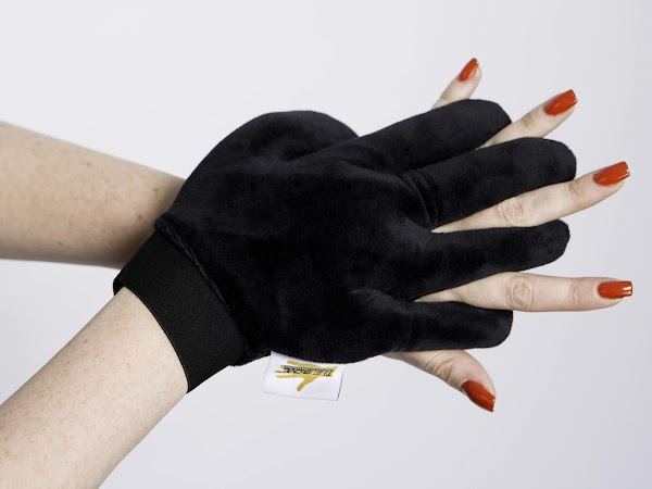 The gLove - The Digit-al Age of Tanning is Here