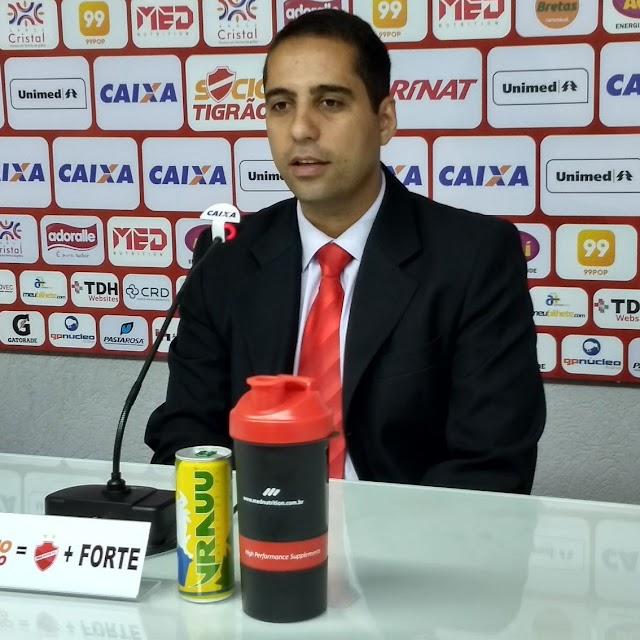 Do presidente ao torcedor - Entrevista com Hugo Jorge Bravo, presidente do Vila Nova