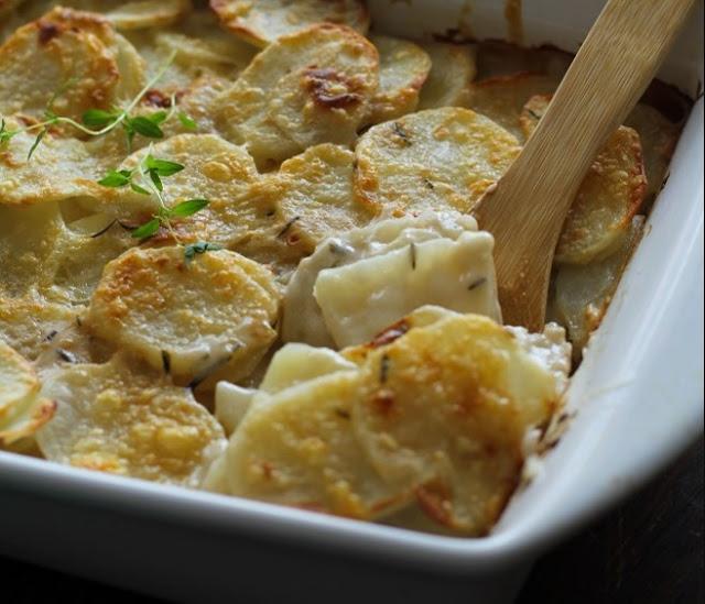 Dairy Free Herbed Scalloped Potatoes #vegan #healthy