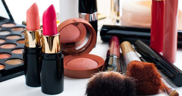 Βαριά πρόστιμα σε έξι εταιρείες καλλυντικών