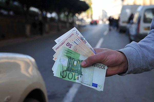 ما هو سبب ارتفاع سعر اليورو و الدولار في الجزائر ؟
