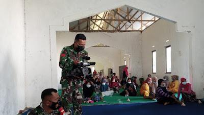 Tim Jurnalis Pendim 1207/Pontianak Turun Langsung Publish Kegiatan TMMD Ke-111 di Dusun Maju Jaya