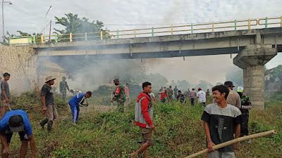 Menuju Kampung Sehat, TNI-Polri dan Masyarakat Sumbawa Giatkan Gotong Royong