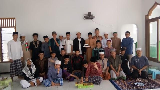 Detik detik surprise milad pengasuh Pesantren Sohibul Qur'an
