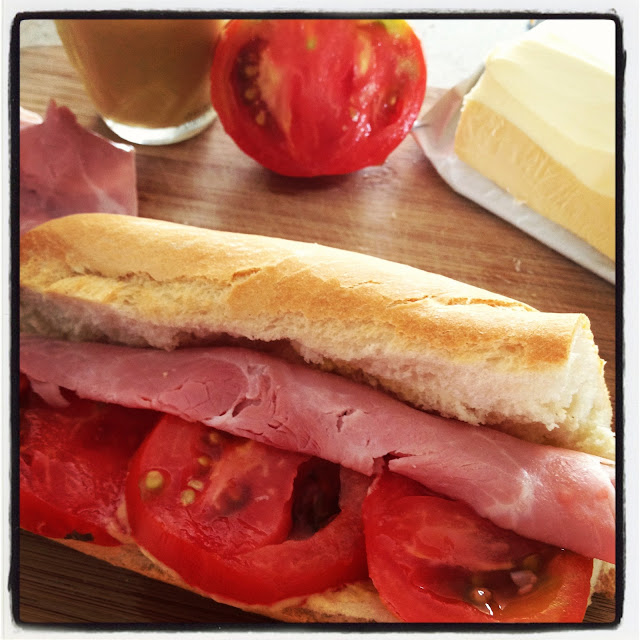 Simple tasty sandwich, sweet kwisine, jambon, moutarde, cuisine facile