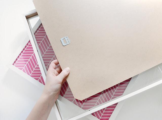 Bilderrahmen zu Stauraum unter Sofa und Sessel – Rollbrett als Zeitungsständer zum Selbermachen