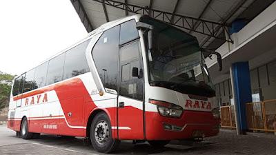 Foto Bus Raya di Terminal Giri Adipura Wonogiri