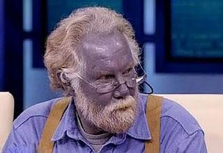 الرجل الأزرق (بالصور)
