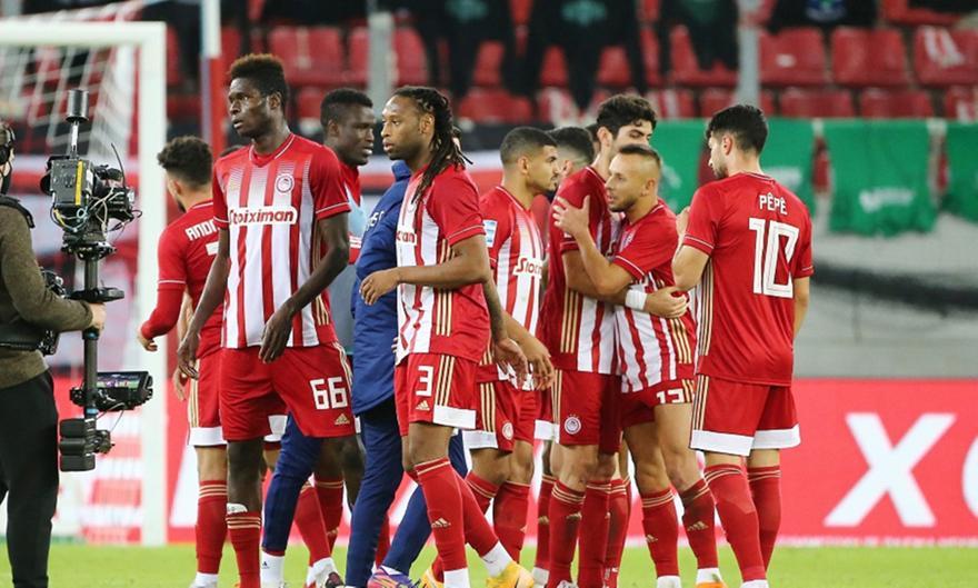 Οκτώ σερί ματς πρωταθλήματος χωρίς ήττα από τον Παναθηναϊκό συμπλήρωσε ο Ολυμπιακός με τη χθεσινή νίκη του με 1-0. Οι «ερυθρόλευκοι» έχασαν για τελευταία φορά στις 28 Οκτωβρίου του 2017, με 1-0 χάρη στο γκολ του Λούκας Βιγιαφάνιες. Έκτοτε μετρούν τέσσερις νίκες και ισάριθμες ισοπαλίες απέναντι στους «πράσινους».  Πρόκειται για το μεγαλύτερο αήττητο σερί του Ολυμπιακού απέναντι στον Παναθηναϊκό εδώ και σχεδόν μισό αιώνα. Το προηγούμενο είχε αρχίσει στις 20 Φεβρουαρίου του 1972, με ένα 0-0 στο «Γ. Καραϊσκάκης» και έσπασε στις 11 Απριλίου του 1977 με την ήττα 2-0 στη Λεωφόρο. Το αήττητο σερί εκείνο διήρκεσε δώδεκα παιχνίδια και περιλάμβανε έξι νίκες και ισάριθμες ισοπαλίες.