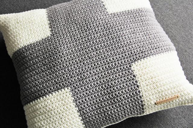 By Claire, gehaakt kussen, Gehaakt/ crochet, kruis kussen, Studio Mojo, haken