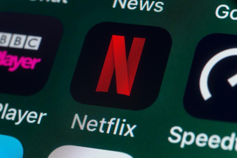 Netflix-APPLE-TV-PLUS