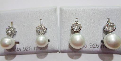 Pendientes de plata, perla y circonitas, cierre omega