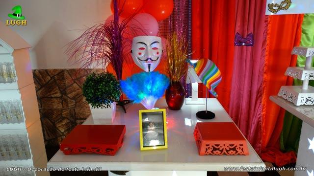 Decoração tema Carnaval para festa de adultos - Aniversário