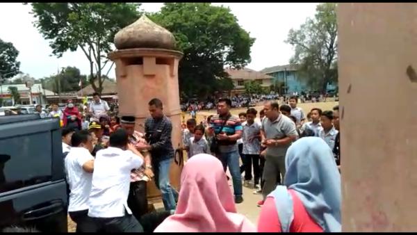 Gawat! Menkopolhukam Wiranto Dikabarkan Ditusuk Orang Tidak Dikenal di Banten