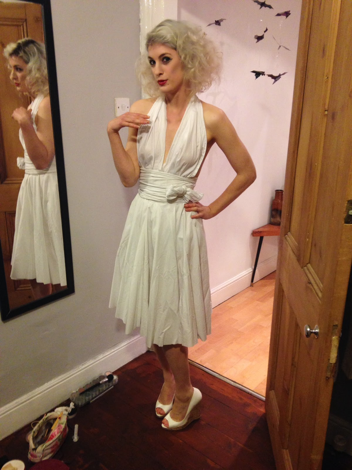 Lily White Legs  DIY No-Sew Marilyn Monroe Costume 420d3f438938