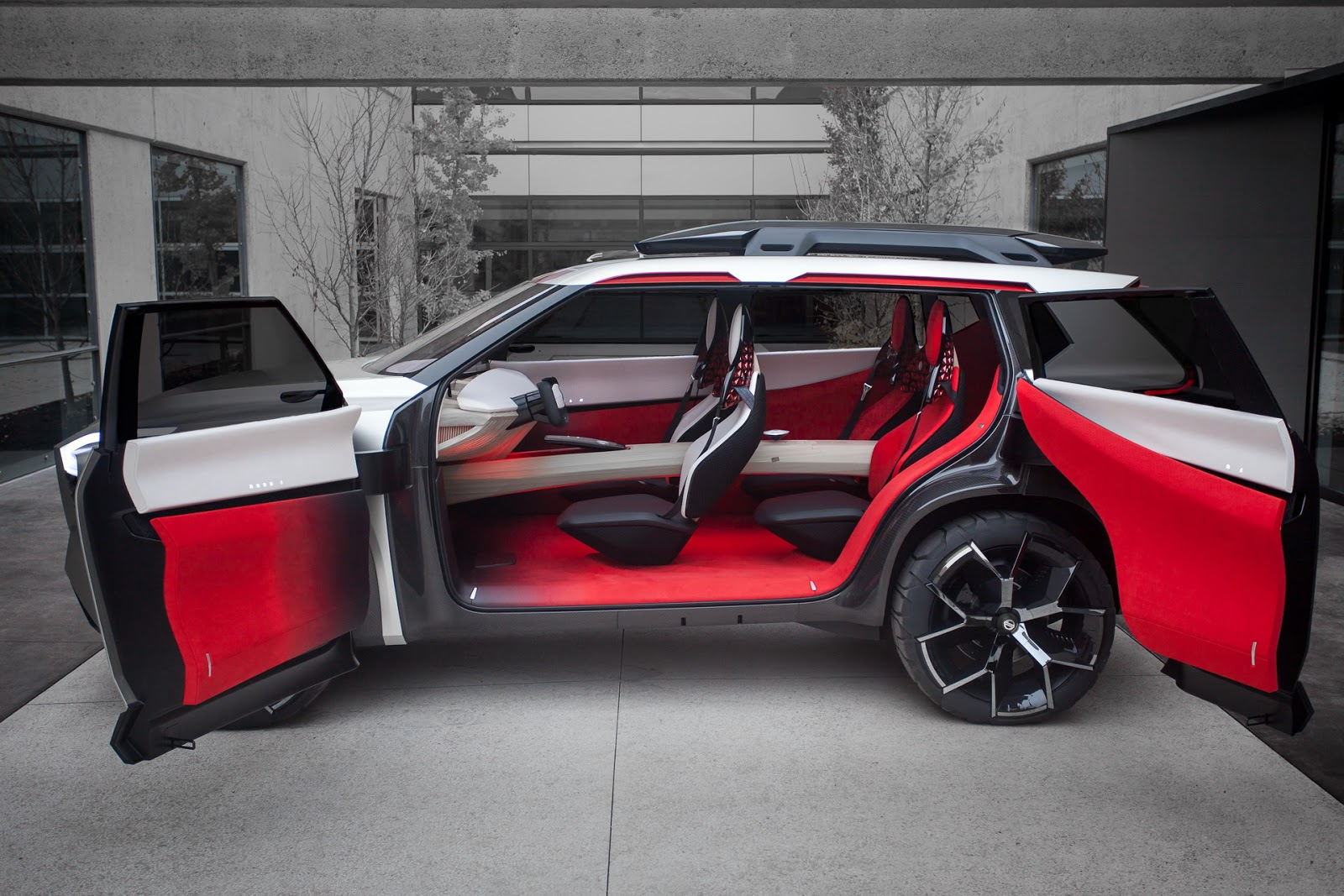 Nissan-Xmotion-Concept-243.jpg