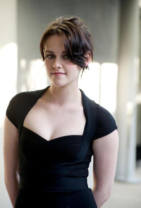 Kristen Stewart Hot Photo Gallery