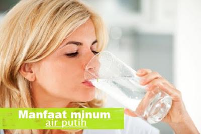 7 Manfaat Terbaik Air Putih untuk Kesehatan Tubuh