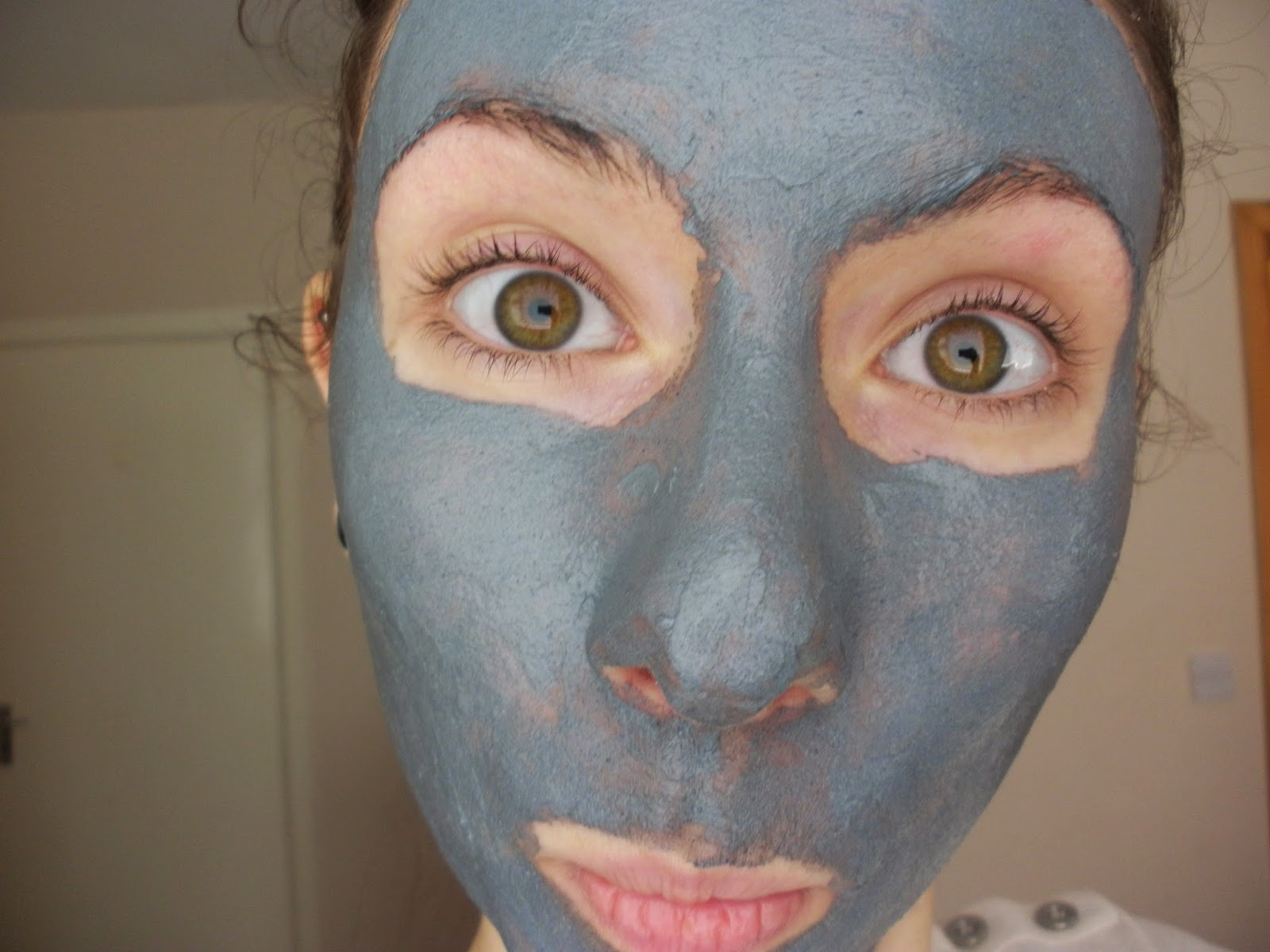 Ammco bus : What does the purifying black charcoal mask do