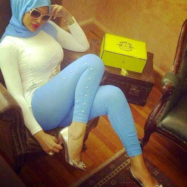 tight front abayas