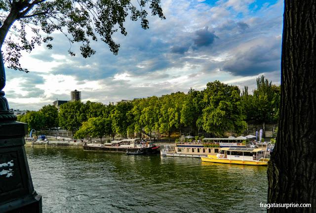 Barcos no Rio Sena, Paris