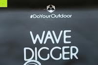 Logo: Dry Bag »Krake« Wasserdichte Trockentasche / Seesack / Survival Bag / Trockensack / Ideal für Kajak, Kanu, Segeln, Angeln, Schwimmen, Strand, Snowboarden, Skifahren, Bootfahren, Camping / Schützt Deine Wertsachen und Kleidung vor Staub, Nässe, Sand und Schmutz / 5L gelb