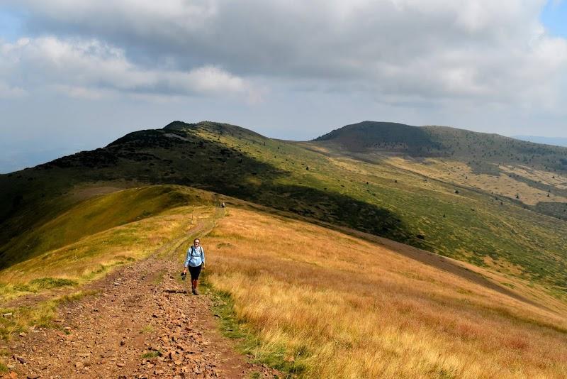 До връх Ком, старата хижа и обратно