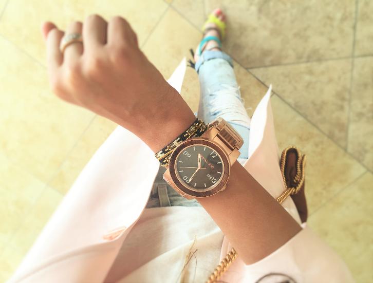Ceasuri dama elegante de firma originale preturi mici aurii si argintii