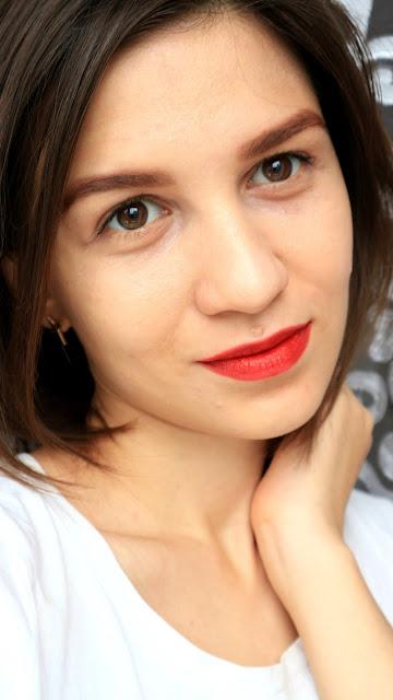 MeMeMe Flawless Tinted Moisturizer SPF 15 02 Beige Blush makeup