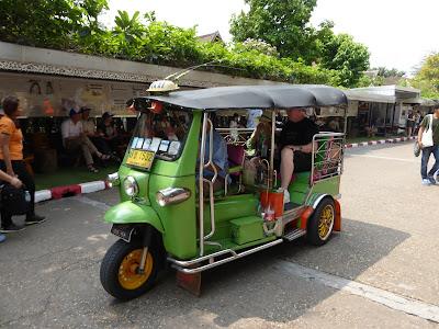 Tuk tuk,  sam-lor, Tailandia, La vuelta al mundo de Asun y Ricardo, vuelta al mundo, round the world, mundoporlibre.com