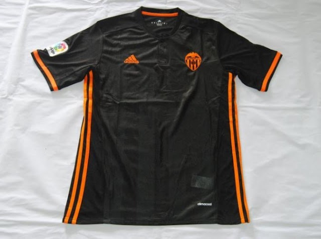 Jersey Bola GO Valencia Away Black Terbaru 2016-2017