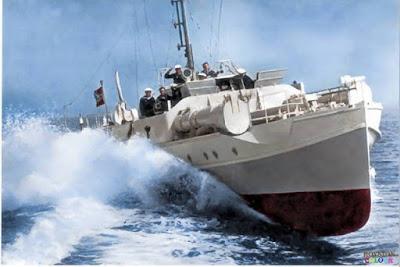 Torpederas alemanas atacan la flota del Día D