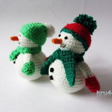 Вязаные снеговики амигуруми