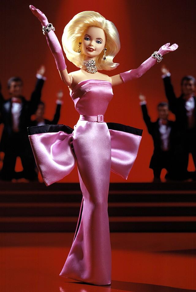Lovely Black Auras: Barbie Collectors & Dolls Marilyn Monroe In White Halter Dress