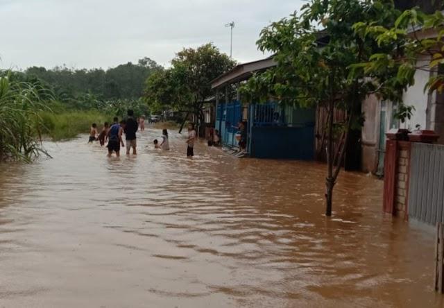 Akibat Hujan Deras, Betung Dikepung