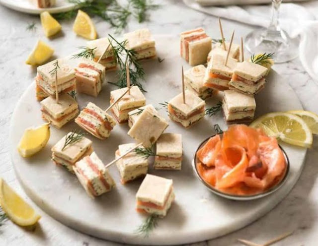Smoked Salmon Appetizer Bites #appetizers #recipes