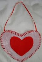 http://translate.googleusercontent.com/translate_c?depth=1&hl=es&rurl=translate.google.es&sl=en&tl=es&u=http://www.myrecycledbags.com/2009/01/29/fused-plastic-valentines-heart/&usg=ALkJrhjt8BoCLT9OgDkyyNQ6hJpwCVKLKg