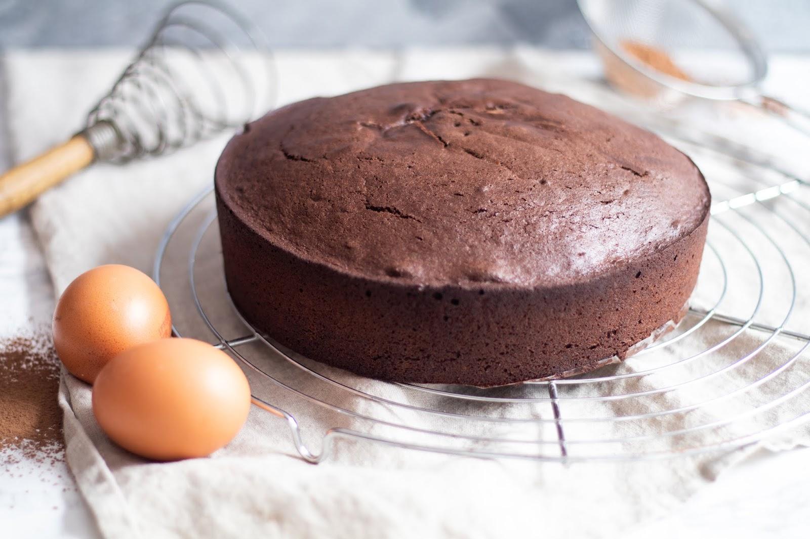 Recette facile et rapide de la génoise au chocolat