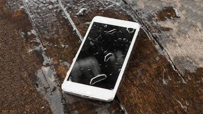 ماذا تفعل إذا أسقطت هاتفك في الماء