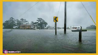 """إعصار """"فلورنس"""" يضرب أمريكا بلا رحمة وإعلان حالة الكوارث فى ولاية كارولينا"""